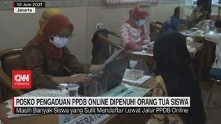 VIDEO: Posko Pengaduan PPDB Online Dipenuhi Orang Tua Siswa