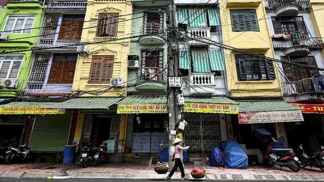 Vietnam memutuskan untuk menerapkan lockdown di ibu kota negara, Hanoi, mulai Sabtu (24/7) setelah mencatat rekor kasus Covid-19 sehari sebelumnya.
