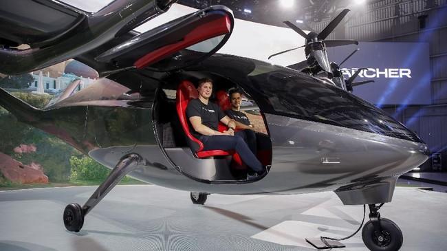 Perusahaan asal AS Archer Aviation memamerkan taksi terbang otonom bertenaga listrik anyar mereka.