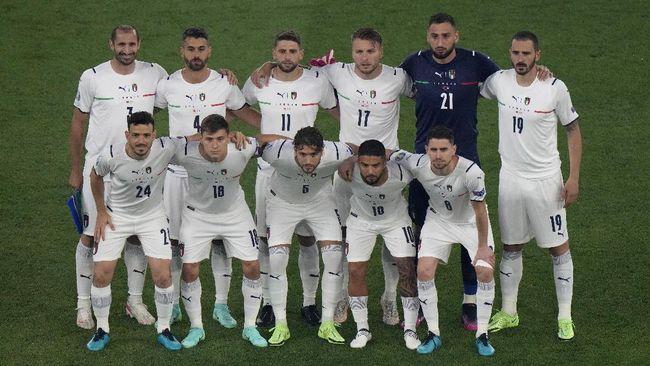 Belgia bakal bertemu Italia dalam perempat final Euro 2020 (Euro 2021) di Allianz Arena. Berikut prediksi line up pemain Belgia vs Italia.