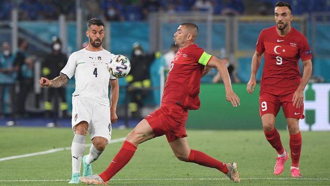 Euro 2020 (Euro 2021) tak sebatas ajang prestisius pemain top dunia. Sejumlah bintang baru pun bermunculan lewat performa impresif.