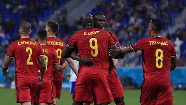 Belgia menjadi pemimpin klasemen Grup B Euro 2020 (Euro 2021) usai menang 3-0 atas Rusia di Saint Petersburg.
