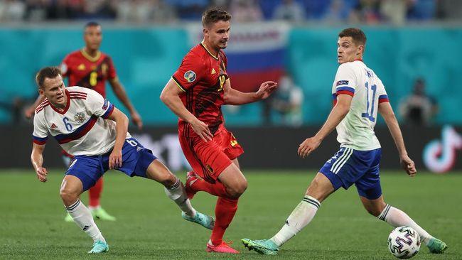 Salah satu calon juara Euro 2020 (Euro 2021), Belgia menang 3-0 berkat blunder Rusia di Stadion Saint Peterburg, Minggu (13/6) dini hari WIB.