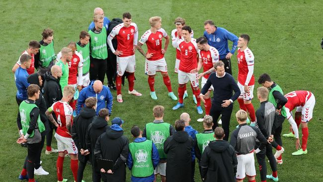 Peter Schmeichel mengklaim para pemain timnas Denmark dipaksa untuk melanjutkan pertandingan usai Christian Eriksen pingsan di Euro 2020 (Euro 2021).