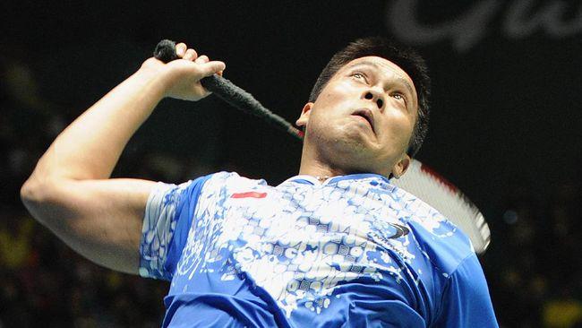 Legenda badminton Indonesia Markis Kido terkenal memiliki skill pukulan jumping smash keras saat masih aktif sebagai pemain.