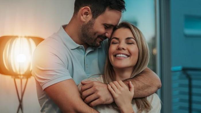 Biar Hubungan Tetap Hangat, Lakukan 5 Tips Ini ke Pasanganmu