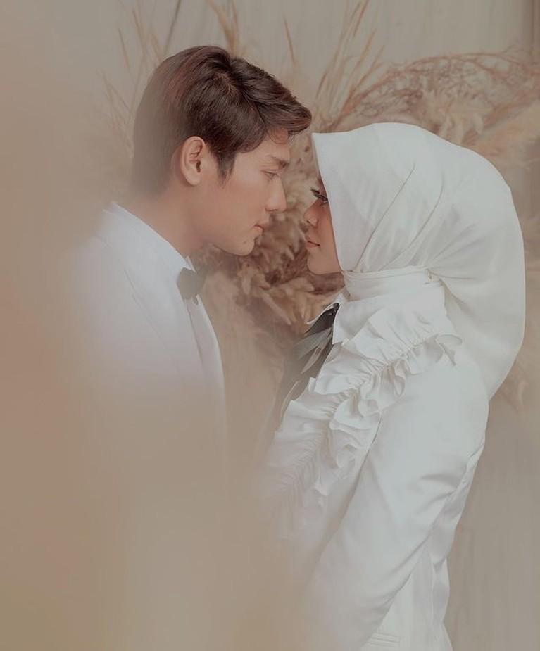 Momen mesra pre wedding Rizky Billar dan Lesti Kejora