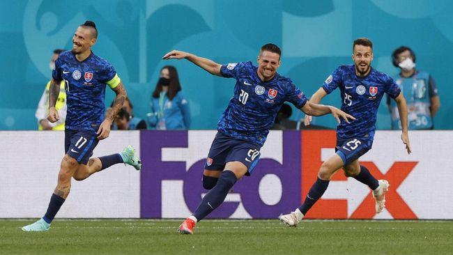 Laga Swedia vs Slovakia di Grup E Euro 2020 (Euro 2021) dipastikan berlangsung sengit. Berikut prediksi Swedia vs Slovakia.