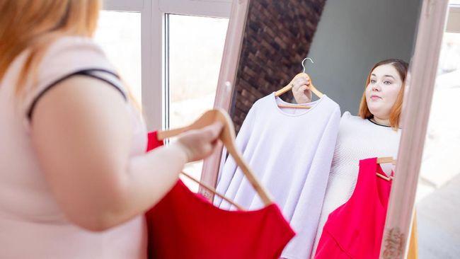 Ada beberapa cara untuk membuat Anda terlihat lebih langsing lewat pakaian tanpa harus diet, salah satunya dengan busana.