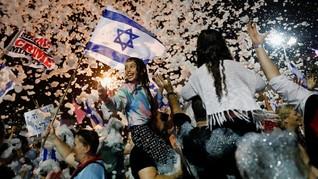 FOTO: 'Bibi Ciao' Mengantar Kelengseran Benjamin Netanyahu