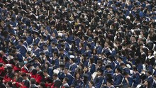 11.000 Mahasiswa Kampus di Wuhan Wisuda Massal Tanpa Masker
