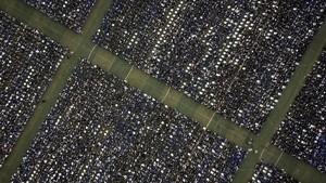 FOTO: Momen Kumpul Ribuan Wisudawan Wuhan yang Tertunda