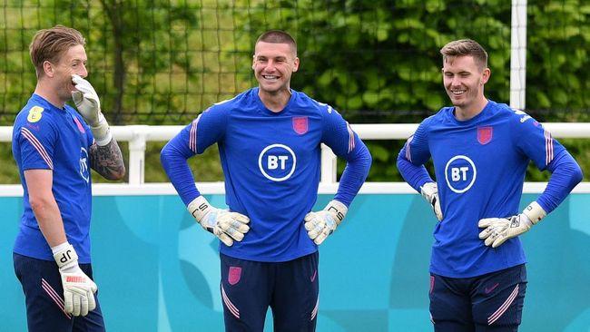 Kiper timnas Inggris, Dean Henderson harus mundur dari tim yang tampil di Euro 2020 (Euro 2021) karena mengalami cedera.
