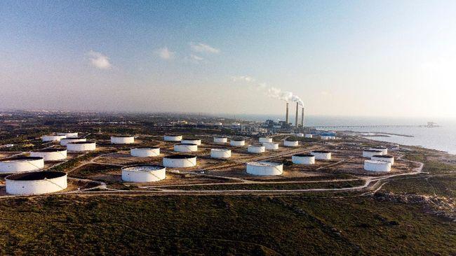 Harga minyak dunia naik hingga level tertinggi sepanjang September ini pada Senin (13/9).