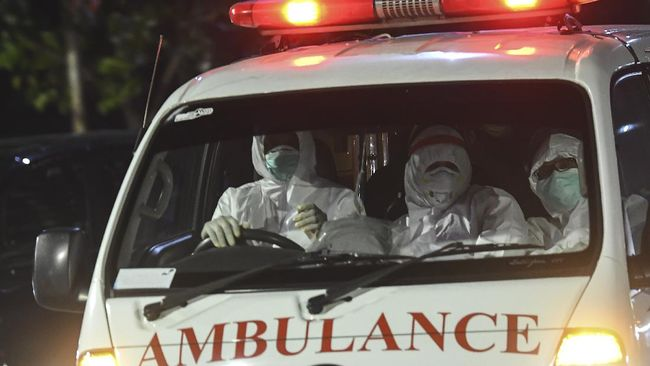 Pasien Covid-19 di Pondok Aren, Tangsel, sesak nafas dan sulit mencari rumah sakit. Sementara puskesmas telah lepas tangan.