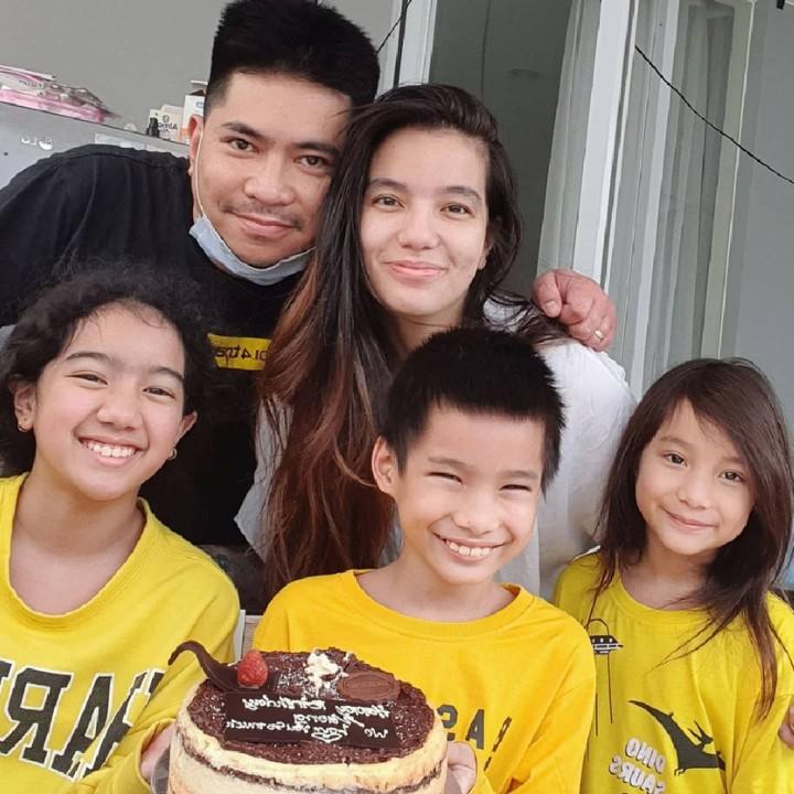 Sheila Marcia dan Keluarga