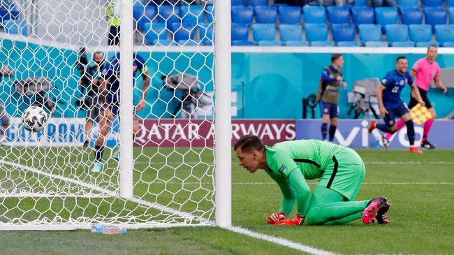 Dua gol bunuh diri di Euro 2020 (Euro 2021) dicetak dua pemain Juventus: Merih Demiral dan Wojciech Szczesny.