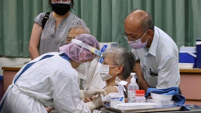 CNN Indonesia berbincang dengan Direktur Pengembangan Bisnis Medigen, produsen vaksin yang telah mendapatkan izin darurat di Taiwan.