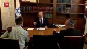 VIDEO: Naftali Bennett Perdana Bekerja di Kantor PM Israel