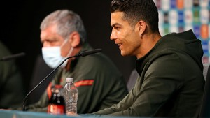 UEFA Minta Pemain Stop Pindahkan Botol Sponsor di Euro 2020
