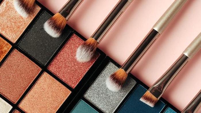 3 Jenis Warna Eyeshadow Palette dan Kegunaannya yang Harus Kamu Ketahui