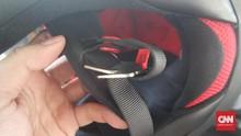 Cara Pakai Helm dengan Tali Double D-ring