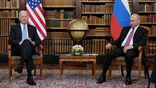Usai pertemuan yang berakhir lebih cepat dari yang diperkirakan itu tak ada pernyataan pers bersama Presiden AS Joe Biden dan Presiden Rusia Vladimir Putin.