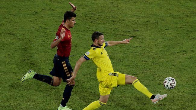 Striker Swedia, Marcus Berg, dihujat dan diancam akibat gagal mencetak gol saat melawan Spanyol di Euro 2020.