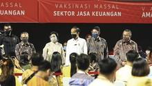 OJK Gelar Vaksinasi Massal Sektor Jasa Keuangan