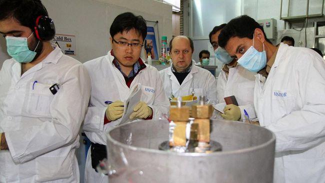 Iran mengklaim sudah membuat 6,5 kg uranium dengan pengayaan kemurnian hingga 60 persen, kian dekat ke batas minimal buat senjata nuklir di angka 90 persen.