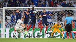 FOTO: Drama Prancis vs Jerman, Gol Bunuh Diri dan 2 Dianulir