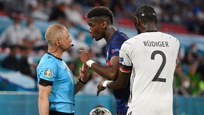 UEFA telah setuju untuk tidak menempatkan botol bir di depan pemain muslim saat menjalani konferensi pers di Euro 2020 (Euro 2021).