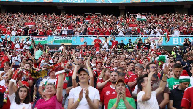 Laga Hungaria vs Portugal di Euro 2020 (Euro 2021) di Budapest dihadiri lebih dari 60.000 penonton atau kapasitas maksimal stadion.