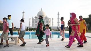 FOTO: Berbondong-bondong Lagi ke Taj Mahal