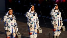 Alasan Baju Astronaut Mahal
