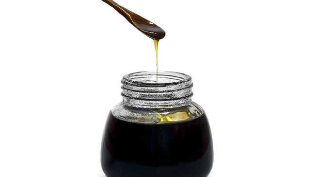 Madu hitam merupakan salah satu jenis madu yang memiliki warna pekat dan rasa pahit. Berikut manfaat madu hitam pahit.