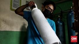 FOTO: Permintaan Isi Ulang Oksigen Medis Naik 50 Persen