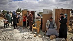 FOTO: Gerilya Israel Hancurkan Rumah Warga Palestina