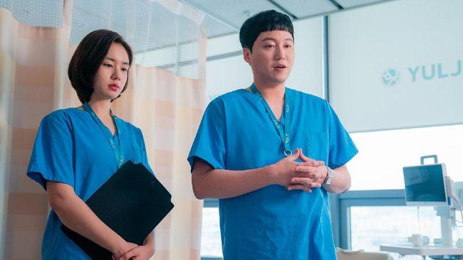 Drama Korea Hospital Playlist 2 kini tayang di saluran berbayar Netflix pada Kamis (17/6) sore ini.