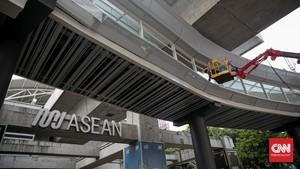 FOTO: 'Skybride' Penghubung MRT-Transjakarta di Simpang CSW