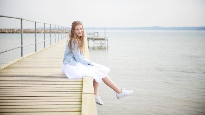 7 Rekomendasi Sepatu Putih Wanita yang Bagus dan Gak Bikin Kantong Jebol
