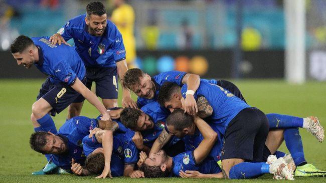 Timnas Italia lolos ke babak 16 besar Euro 2020 (Euro 2021) setelah menang atas Swiss, Kamis (17/6) dini hari WIB.