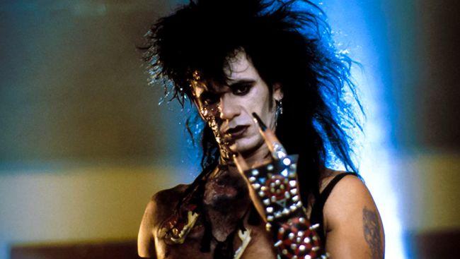 Musik diseret dalam kepanikan atas kultus setan ketika kasus pembunuhan oleh Manson Family bikin geger Amerika Serikat pada dekade '60-an.