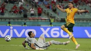 FOTO: Ramsey-Bale Gemilang, Wales Menang di Euro