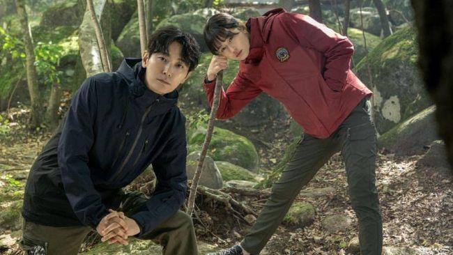 Cliffhanger drama terbaru Jun Ji-hyun dan Joo Ji-hoon merilis teaser yang menunjukkan banyak misteri dan mengonfirmasi jadwal tayang pada Oktober 2021.