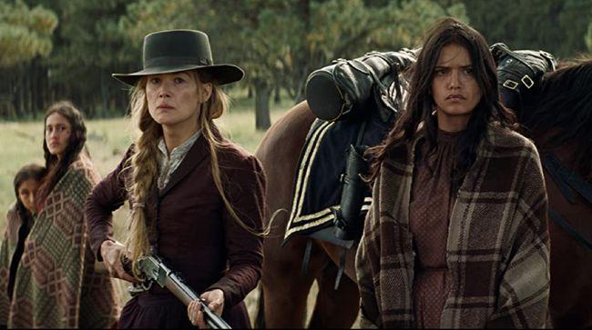 Berikut sinopsis film Hostiles yang dibintangi Christian Bale dan Rosamund Pike tersebut.