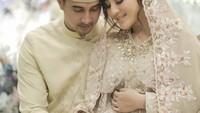 <p>Margin Wieeherm dan Ali Syakieb kini tengah berbahagia. Mereka menantikan kehadiran buah hati pertama usai menikah di bulan Februari lalu. (Foto: Instagram: @jokiphotography)</p>
