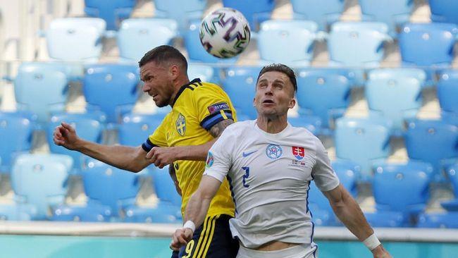 Swedia diimbangi Slovakia di babak pertama pertandingan Grup E Euro 2020 (Euro 2021) di Stadion Saint Petersburg, Jumat (18/6).