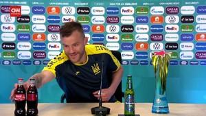 VIDEO: Detik-detik Yarmolenko Sindir Ronaldo Soal Coca-cola