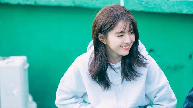 Aktris Han So-hee membintangi drama Korea terbaru berjudul Nevertheless yang tayang di Netflix.
